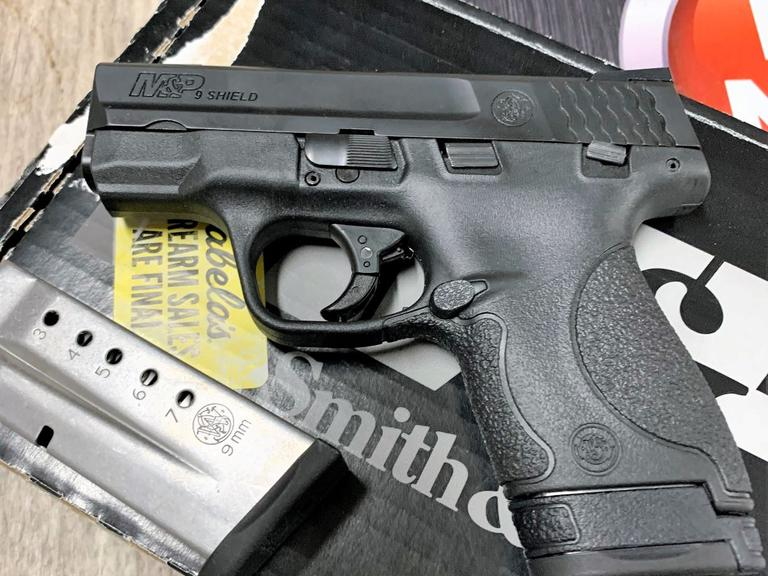 Smith & Wesson - M&P Shield - 9MM - NEW IN THE BOX! - Online Auction