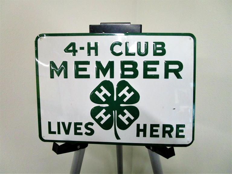 "4H Club Member Metal Signage - Collectible w/ Beautiful Green - 13.5x9.5"" - Online Auction"