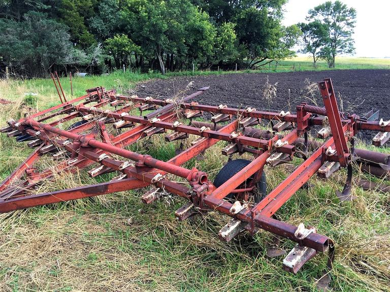 18 1/2 foot Field Cultivator No. 45 - Good Tires and Ready to Work - REGISTER TO BID NOW! - Online Auction