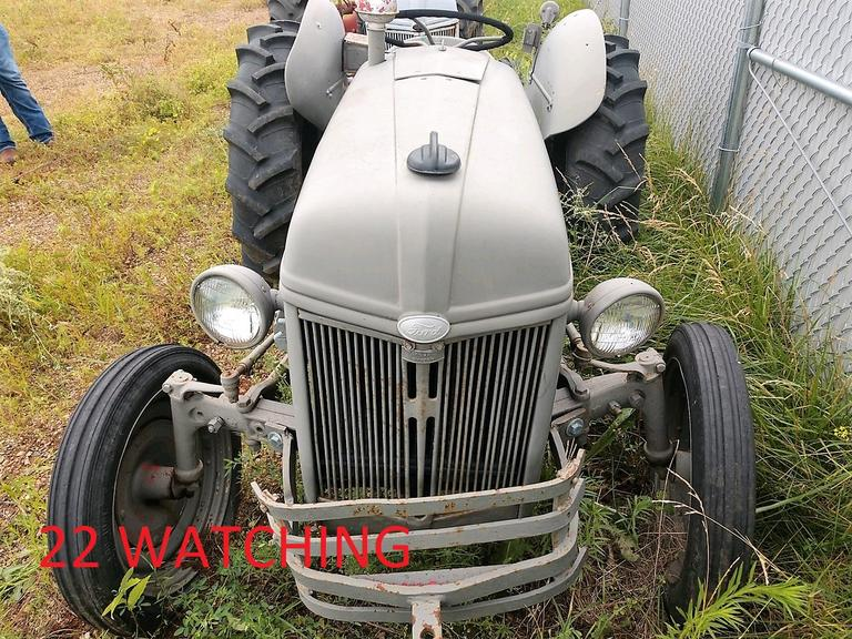 Ford N-Series Tractor - NEW TIRES, WOW! - Online Auction