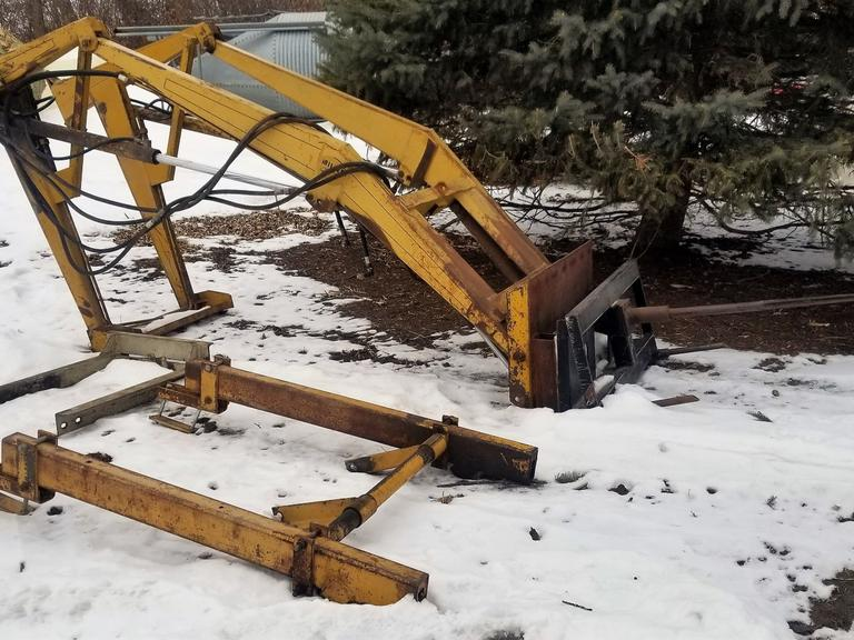 Miller M12 Loader with Skid-Steer Adapter Plate - Online Auction